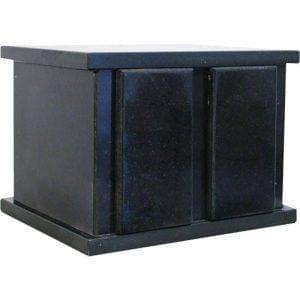Urne funéraire double en granit de couleur noire disponible dans la boutique en ligne du Salon Funéraire Demers