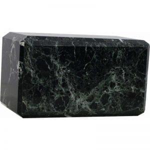 urne en marbre vert disponible à un très bon prix