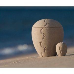 urne funéraire en sable avec empreintes faite au Québec par Atelier Côtier